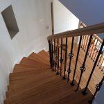 無垢の螺旋階段