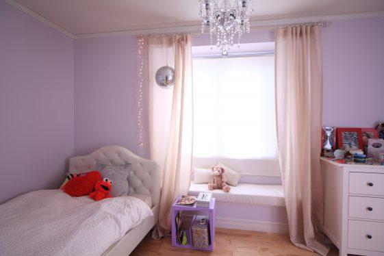 シャンデリア照明、ピンクのプリンセスのお部屋