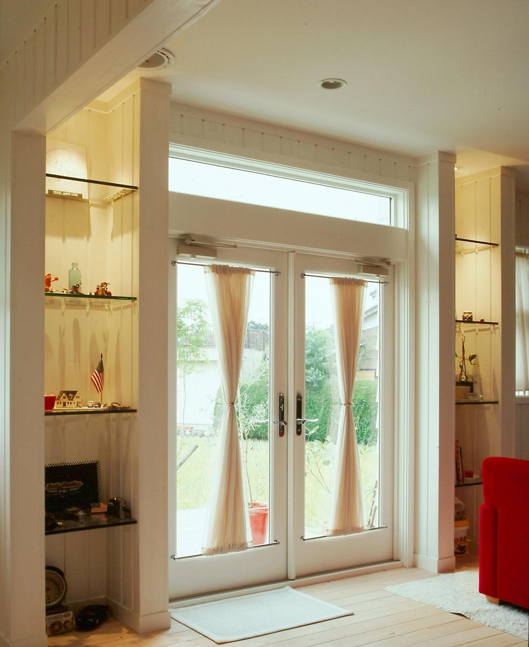 パティオドア、サイドのガラス飾り棚