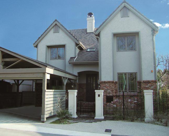 長久手モデルハウス・ファーリントンを参考に、レンガ積みの外観