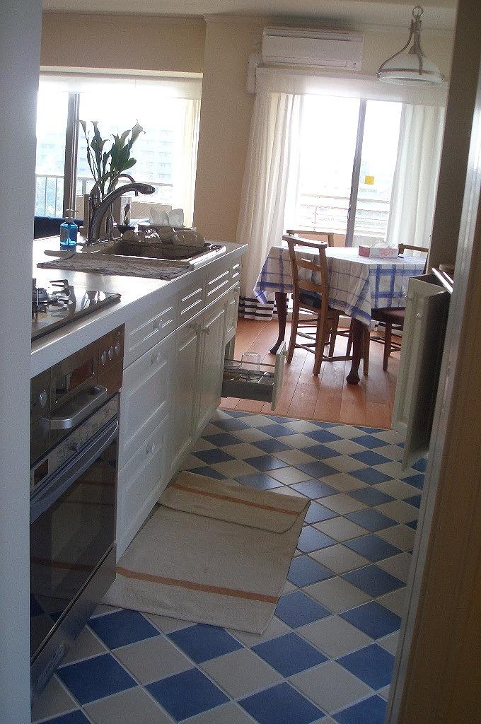 イタリアのリゾートを想わせる、キッチンダイニング