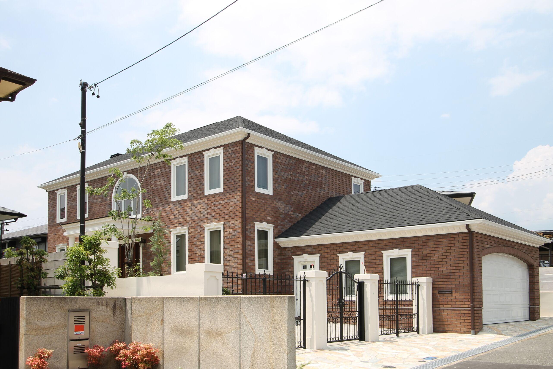 総レンガ貼りのジョージアンスタイルの家