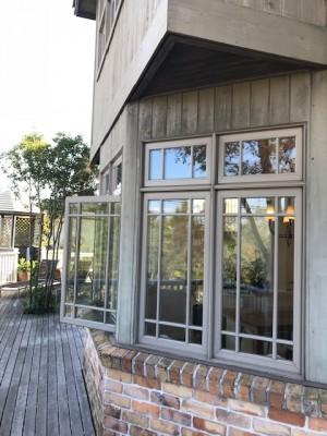 モデルハウス窓 (2)